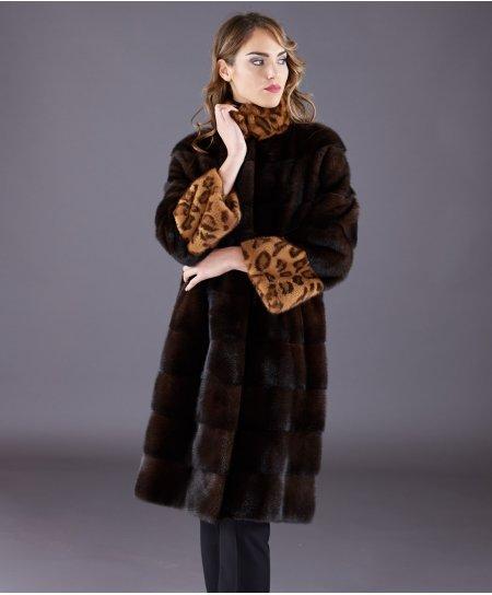 Cappotto in pelliccia di visone collo alto e manica lunga • colore mogano